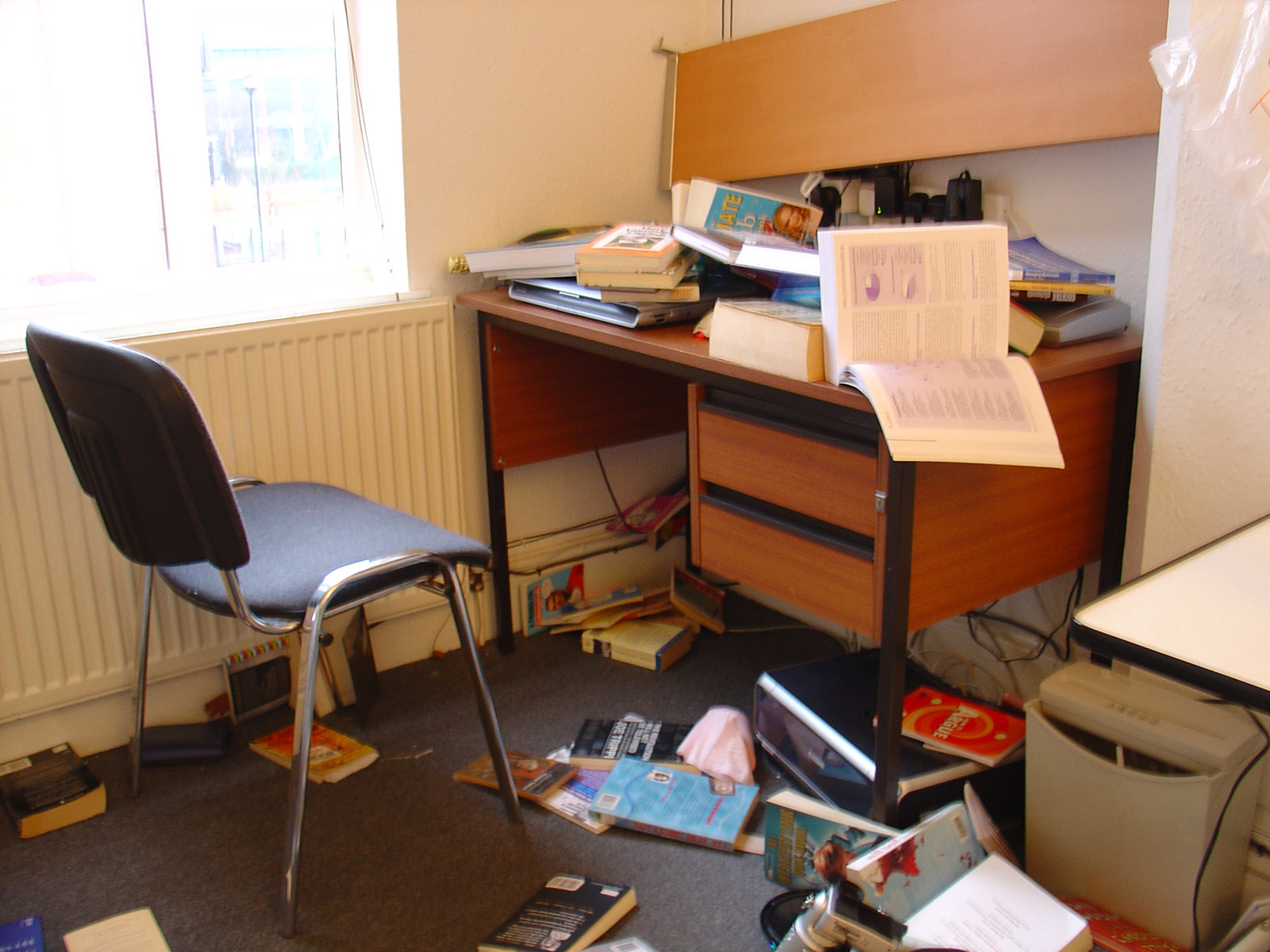 Collapsed shelf